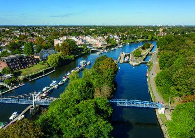 Teddington Lock & Bridge