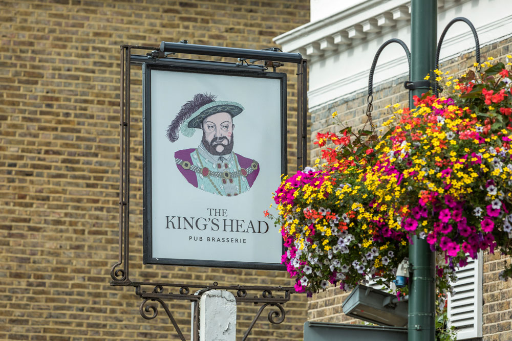 Teddington, The Kings Head pub